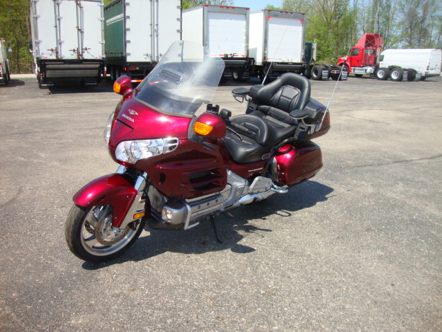 Picture of 2005 Honda Gold Wing 1800A truck for sale