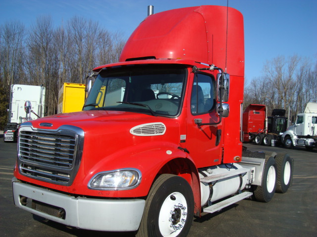Picture of 2007 Freightliner M2 112 truck for sale