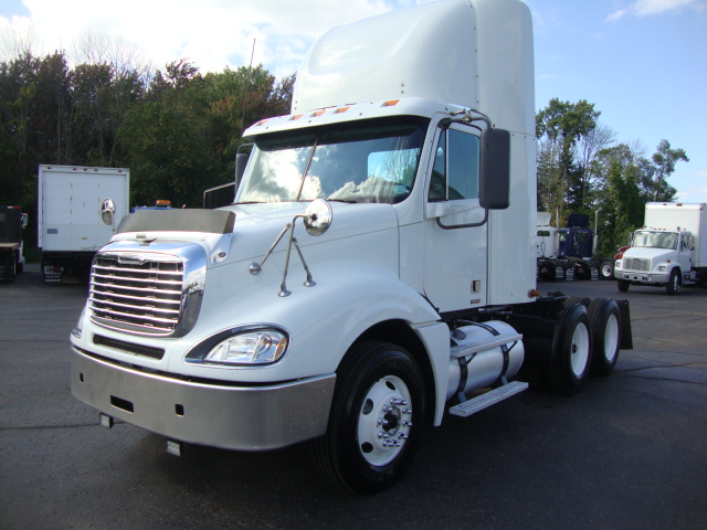 Picture of 2008 Freightliner Columbia truck for sale