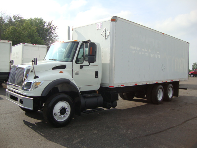 Picture of 2007 International 7600 truck for sale