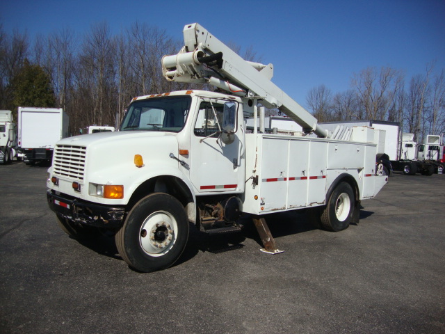 Picture of 2000 International 4700 truck for sale