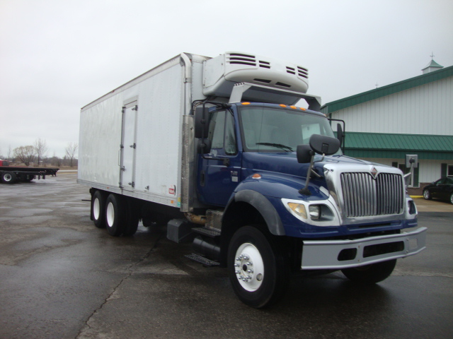 Picture of 2005 International 7600 truck for sale