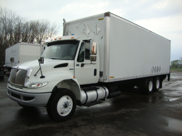 Picture of 2010 International 4400 truck for sale
