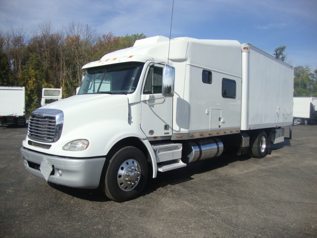 Picture of 2009 Freightliner Columbia 112 truck for sale
