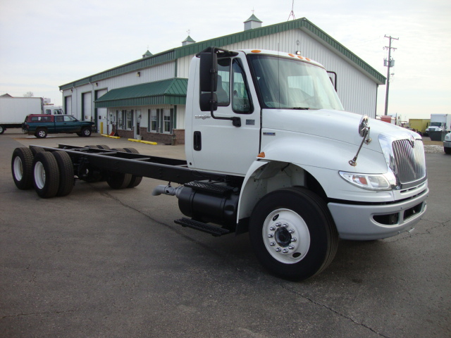 Picture of 2009 International 4400 truck for sale