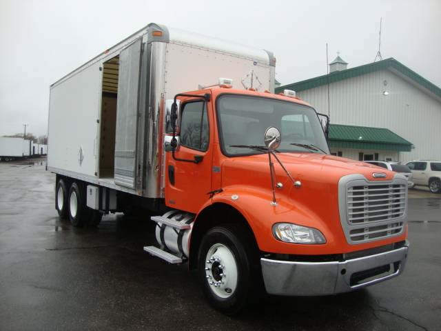 Picture of 2008 Freightliner M2 112 truck for sale