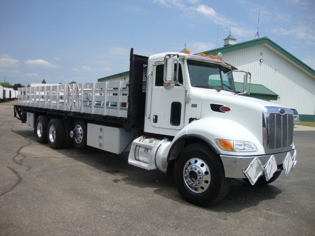 Picture of 2010 Peterbilt 340 truck for sale