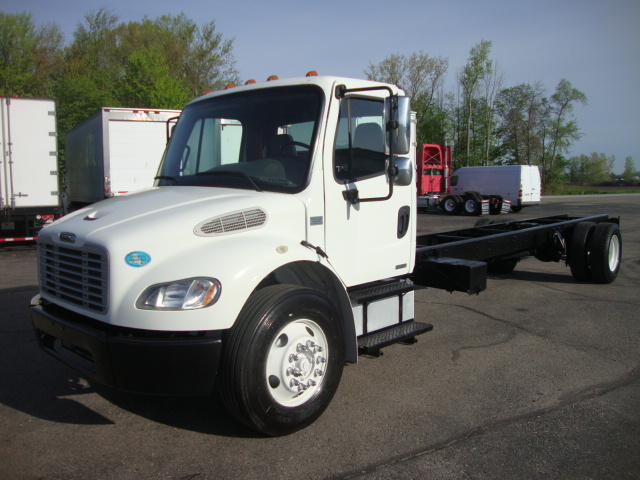 Picture of 2009 Freightliner M2 106 truck for sale