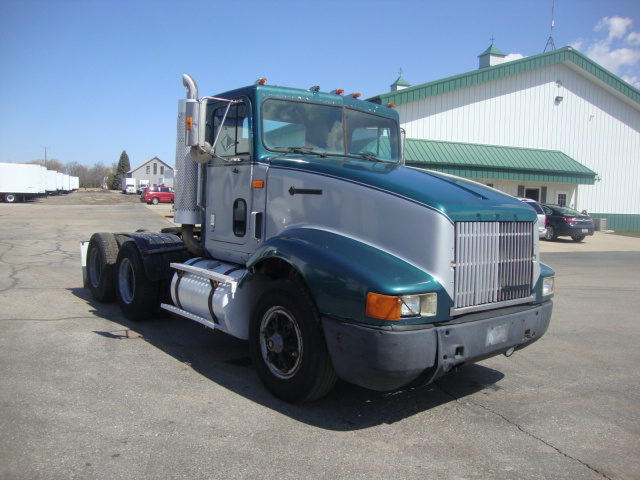 Picture of 1995 International 9400 truck for sale