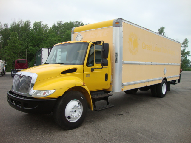 Picture of 2004 International 4300 truck for sale
