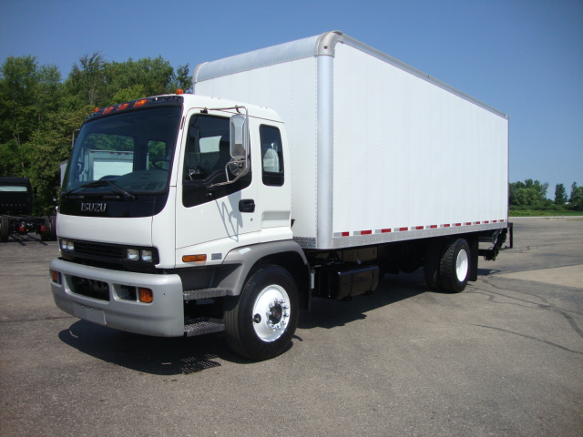 Picture of 2008 Isuzu JT7F042 truck for sale