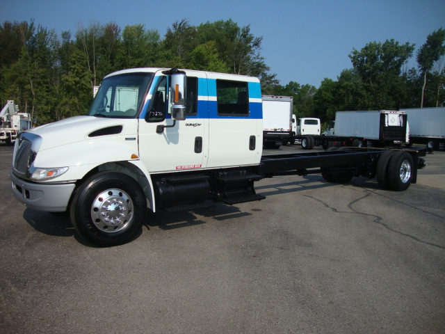 Picture of 2008 International 4400 truck for sale