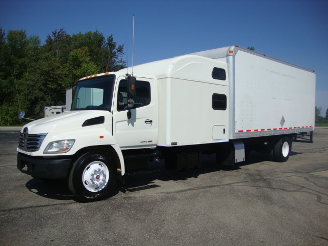 Picture of 2007 Hino 338 truck for sale