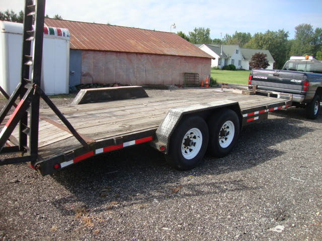 Picture of 2000  20' Flatbed Trailer truck for sale